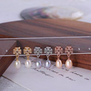 Tory Burch Full Diamond Inlaid Pearl Earrings